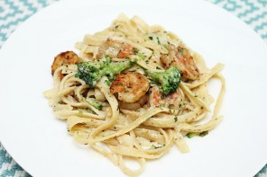 Tuscany In Our Tiny Kitchen: Shrimp & Broccoli Alfredo