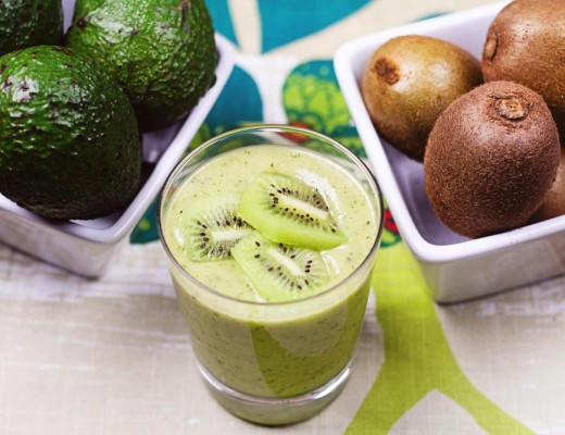 Kiwi-Avocado-Smoothie-two